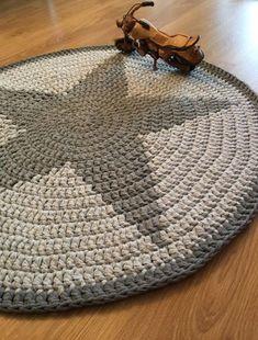 Tähti-matto | virkattu Crochet Home, Free Crochet, Knit Crochet, Diy Carpet, Needful Things, Floor Rugs, Handicraft, Table Runners, Crochet Patterns