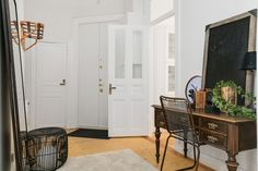 #styling #homestyling #hall #hallway Styling av solig tvåa på Birger Jarlsgatan | Move2