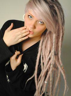 blonde dreadlocks | Tumblr One Luv +dreadstop / @DreadStop #dreadlocks Pink Dreads, White Girl Dreads, Blonde Dreadlocks, Locs, Dread Hairstyles, Pretty Hairstyles, Piercings, Hair Skin Nails, Hair Dos