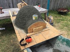 Page Want to know another way to build your own pizza oven? Then have a look at this DIY pizza oven which made use of an exercise ball to create its. Build A Pizza Oven, Pizza Oven Outdoor, Outdoor Kitchen Bars, Outdoor Cooking, Outdoor Kitchens, Outdoor Spaces, Outdoor Living, Backyard Kitchen, Backyard Patio