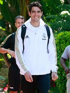 Kaka & his cheesy smile:D Soccer Stars, Sports Stars, Soccer Players, Football Team, Cheesy Smile, Real Madrid Players, Sport Icon, World Of Sports, Ac Milan