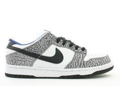 info for 6feb7 13211 10 Collaborations That Changed the Sneaker GameSupreme x Nike SB Dunk Low