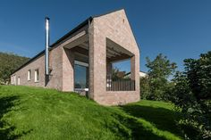 CJWHO ™ (The Long Brick House, Hungary by Földes Architects...)