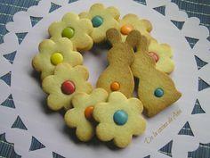 Galletas de mantequilla con Lacasitos Easter Recipes, Easter Food, Gingerbread Cookies, Baking, Nutrition, Funny, Biscuits, Shortbread Cookies, Donut Holes