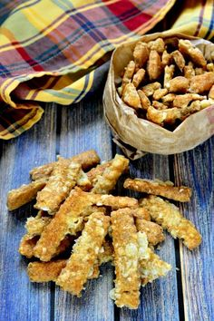 Túrós-sajtos rúd recept Bruschetta, Feta, Muffin, Rum, Paleo, Food And Drink, Baking, Healthy, Recipes