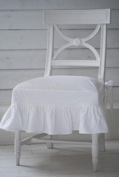 Pretty Slipped Swedish Chair
