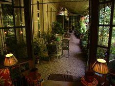 Le jardin parisien de Pierre Berge im so in love with this look!