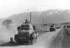 "1941, Balkan, Jugoslawien, Spähpanzer (Sd.Kfz. 231 8-Rad) der ""SS-Leibstandarte Adolf Hitler"" in Kolonne"