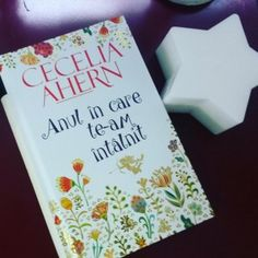 """""""Anul in care te-am intalnit"""" de Cecelia Ahern Tableware, Books, Movies, Dinnerware, Libros, Dishes, Films, Book, Book Illustrations"""