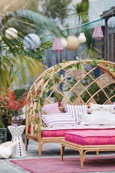 Peacock Cabana Daybed von Anthropologie in Beige Größe: Alle - JudeBuxom. Outdoor Furniture, Decor, Outdoor Decor, Patio Decor, Furniture, Bedroom Decor, Outdoor Daybed, Home Decor, Room Decor