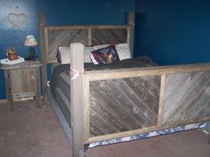 Complete Queen Barnwood Rustic Bedroom Set - $550 (Greenville ) Barn Wood Projects, Craft Projects, Rustic Bedroom Sets, Bedroom Ideas, Bedroom Furniture, Storage Chest, Queen, Cabinet, Cool Stuff