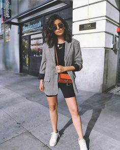 Grauer Radler und als Damen Shorts für den You are in the right place about Blazer Outfit party Here we offer you the most beautiful pictures about the Blazer Outfit Mode Outfits, Short Outfits, New Outfits, Casual Outfits, Fashion Outfits, Womens Fashion, Fashionable Outfits, Fashion Clothes, Fashion Shorts