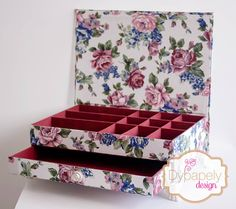 caixa de cartonagem, caixa de luxo, caixa floral, caixa para madrinha, caixa para padrinhos, Cartonagem, cartonnage box, jewerly box, kit toilet, porta jóias, porta jóias de cartonagem