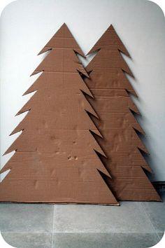 How to make a cardboard Christmas tree / Hoe maak je een kerstboom van karton Christmas Tree Costume, Real Christmas Tree, Christmas In July, Xmas Tree, Christmas Crafts, Cardboard Tree, Cardboard Christmas Tree, Cardboard Crafts, Cardboard Houses