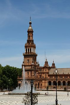 Fuente en Plaza de España   Costa Brava & Catalunya Excursions in Barcelona Vacations in Barcelona Sightseeing tours, airport transfers, taxi, interpreter and your personal guide in Bar