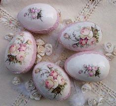 Egg Crafts, Easter Crafts, Crafts To Sell, Diy And Crafts, Easter Egg Designs, Egg Art, Egg Decorating, Happy Easter, Easter Eggs