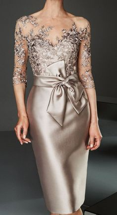 Women's Slim Bodycon Dress - Solid Colored Boat Neck Lace Gold S M L XL Source by brigitteholzheu dresses evening Mother Of Bride Outfits, Mother Of Groom Dresses, Mother Of The Bride, Elegant Dresses, Beautiful Dresses, Formal Dresses, Party Dresses, Satin Midi Dress, Bodycon Dress