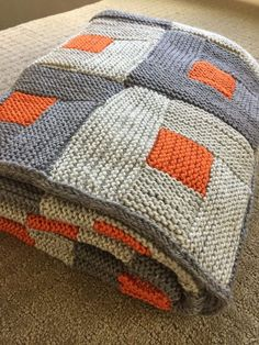 Shady Marmalade Blanket — Folded – How To Knitting Blanket Knitting Blogs, Knitting Patterns Free, Knit Patterns, Free Knitting, Knitting Projects, Baby Knitting, Crochet Projects, Knitting Sweaters, Knitted Afghans