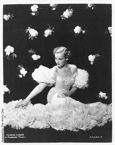 Frances Farmer American actress - Back then. Classic Hollywood, Old Hollywood, Hollywood Glamour, Hollywood Stars, Hollywood Actresses, Frances Farmer, Lilli Palmer, Marie Prevost, Gloria Dehaven