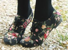 i love that its floral!!
