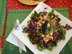Ψητό κουνουπίδι σαλάτα με χαβιάρι Traditional Greek Salad, Tzatziki Sauce, Kabobs, Greek Recipes, Salad Recipes, Salads, Group, Board, Kitchens