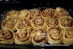 Skořice a jablka jsou ideální kombinací a ještě pokud přidáte vlašské ořechy, tak je to fantazie na jazyku. Bread Recipes, Cake Recipes, Dessert Recipes, Cooking Recipes, Torte Recepti, Cake & Co, Bread And Pastries, Cake Cookies, Sweet Recipes