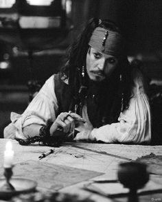 johnny depp, jack sparrow, and black and white image Captain Jack Sparrow, Johnny Depp Movies, Pirate Life, Pirate Talk, Film Serie, Dead Man, Pirates Of The Caribbean, Good Movies, My Idol