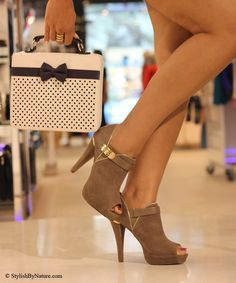 Fashionista: Gorgeous Heels and Bag
