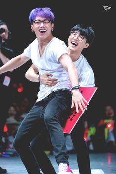 double b ikon hanbin and bobby Kim Hanbin Ikon, Ikon Kpop, Chanwoo Ikon, Yg Ikon, Yg Entertainment, K Pop, Ikon Member, Winner Ikon, Warner Music