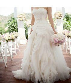 cc949698bba3 Vera Wang, Diana Organza Size 8 Wedding Dress For Sale | Still White  Australia
