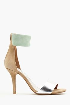 Inaba Pump by Jeffrey Campbell