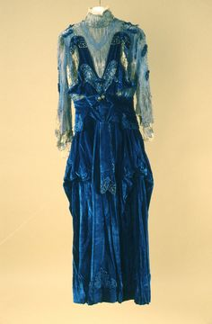 Dress and Coat, Girolamo Giuseffi (1864-1934) for G. Giuseffi L.T. Company, USA: ca. 1912, American, velvet, chiffon lace, satin, fur trim.