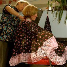 Capes, Forced Haircut, Long Bob Haircuts, Hair And Beauty Salon, Plus Size Lingerie, Perm, Hairdresser, Kimono Top, Hair Cuts