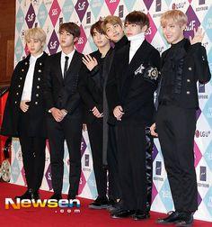 BTS at SBS SAF Red Carpet [161226]