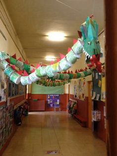 New Year's Crafts, Diy And Crafts, Crafts For Kids, Arts And Crafts, Paper Crafts, Dragon Birthday, Dragon Party, Chinese Theme, Chinese Art