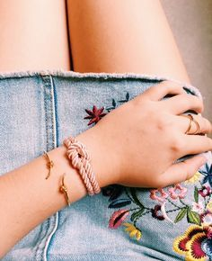 The delicacy and touch of a woman with our bestseller 💁🏼💫⠀ Only Fashion, White Fashion, Fashion Brand, Style Fashion, Arte Popular, Nautical Fashion, Handmade Clothes, Bohemian Jewelry, Anklets