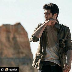 He is so damn sexy❤❤❤😍😍 Turkish Men, Turkish Beauty, Turkish Actors, Beautiful Celebrities, Beautiful Actresses, Gorgeous Men, Most Handsome Actors, Handsome Boys, Murat And Hayat Pics