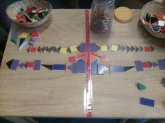 Spiegelen met mozaïek Math Activities, Preschool Activities, I Love School, Science Party, Mirror Image, Homeschool, Projects To Try, Shapes, Teaching