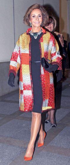 Mature Fashion, Over 50 Womens Fashion, Fashion Over 50, Style And Grace, My Style, Beautiful Old Woman, Advanced Style, Ageless Beauty, Parisian Chic