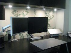 2 monitor Mac setup with writing pad