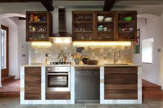 homify / Officine Liquide: Cozinhas modernas por Officine Liquide