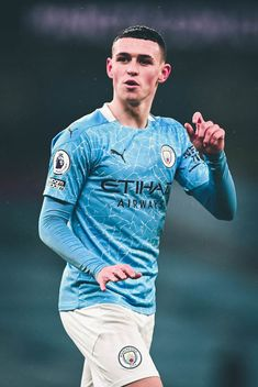 Football Player Costume, Manchester City Wallpaper, Fc Chelsea, Best Football Players, Black Aesthetic Wallpaper, Juventus Fc, Football Pictures, Lewandowski, The Great White