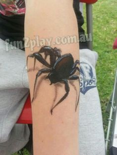 Shadow spider face painting arm 3 to 5 minutes face painting ideas for kids Spider Face Painting, Adult Face Painting, Painting For Kids, Body Painting, Face Painting Designs, Paint Designs, Arm Art, Hand Tats, Face And Body