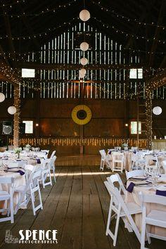 barn wedding WeatherLea Farm and Vineyard