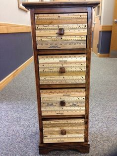 UPCYCLED RULER IMAGES FOR A HUGGE HOME... Diy Wood Projects, Furniture Projects, Furniture Makeover, Diy Furniture, Ruler Crafts, Craft Stick Crafts, Repurposed Furniture, Painted Furniture, Yard Sticks