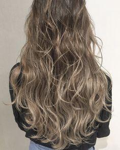 外国人風カラー グラデーションカラー ハイライト バレイヤージュ カラーリング ヘアカラー アッシュ メッシュ ベージュ グレージュ ブルージュ ヘアアレンジ Balayage ombrehair Leg Hair, Grow Hair, Hair Goals, Hair Color, Dreams, Long Hair Styles, Beauty, Hair Ideas, Haircolor