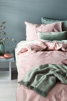 48 Trendy home design inspiration bedroom duvet covers Light Pink Bedrooms, Pastel Bedroom, Bedroom Green, Bedroom Colors, Light Pink Bedding, Light Pink Duvet Cover, White Bedroom, Blue And Pink Bedroom, Green Duvet Covers