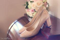 zapatos rosa maquillaje de Menbur. Foto de Boda en Malaga www.lasmadrinas.com