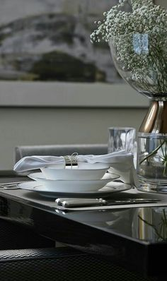Living space & home interior design - Bailey Interior Design London Dining Room Colors, Dining Room Design, Interior Exterior, Luxury Interior, Show Plates, Interior Design London, Interior Styling, Mood And Tone, Trends