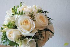 Ramo de novia rosas fresias Mayula flores